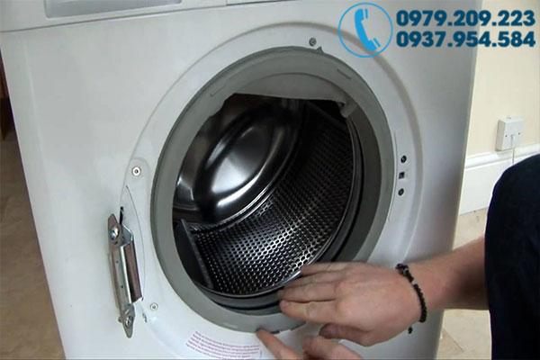 Vệ sinh máy giặt tại nhà 4